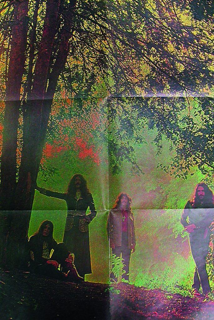 Dieses Bild hat ein leeres Alt-Attribut. Der Dateiname ist 6360050-Black-Sabbath-Master-Of-Reality-Poster-685x1024.jpg